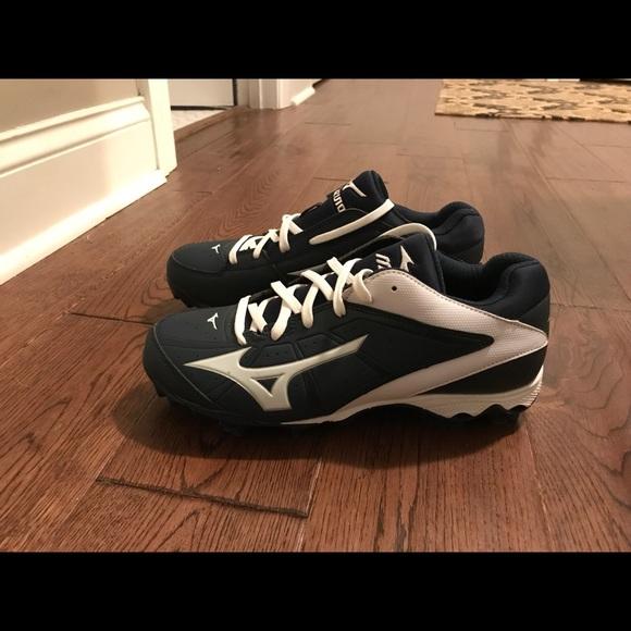 3f30c6f64512 Mizuno Shoes   Womens Sofball Cleats Sz 8   Poshmark